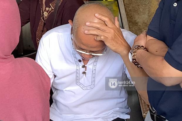 Lễ an táng diễn viên Hải Đăng: Nụ cười trên di ảnh gây xót xa, vợ chưa cưới suy sụp, bạn bè và người thân khóc nghẹn bên linh cữu-9