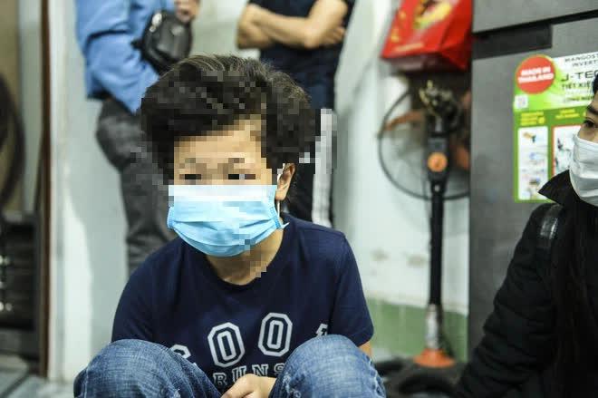 Hà Nội: CA điều tra nghi án bé gái 12 tuổi bị mẹ đẻ trói tay, chân đánh bầm tím khắp cơ thể-3