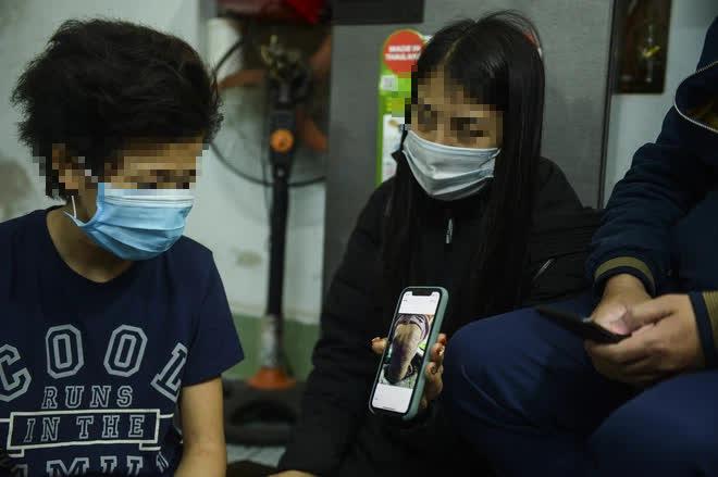 Hà Nội: CA điều tra nghi án bé gái 12 tuổi bị mẹ đẻ trói tay, chân đánh bầm tím khắp cơ thể-5