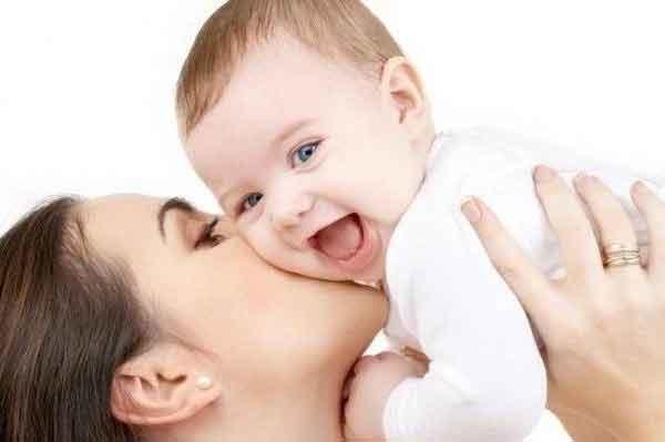 Tại sao bạn tuyệt đối không nên hôn trẻ sơ sinh?-2