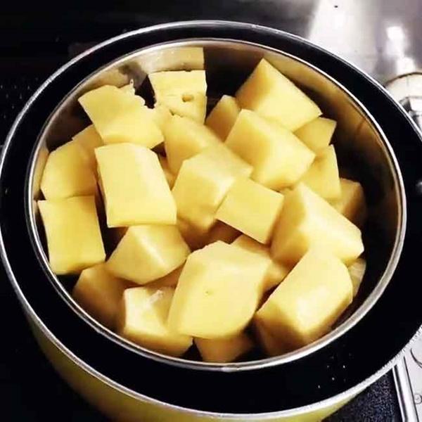 Dùng nồi cơm điện làm món bánh thơm nức nhà: Đảm bảo từ người lớn đến trẻ con đều mê tít!-4