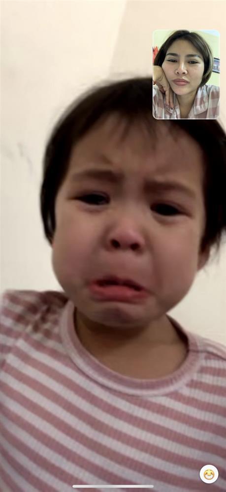 Cẩm Giàng: Nữ y tá cách con 30m trong tâm dịch, nghe tiếng con khóc xé ruột gan mà không thể chạm vào-1