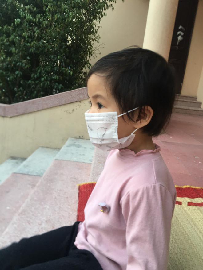 Cẩm Giàng: Nữ y tá cách con 30m trong tâm dịch, nghe tiếng con khóc xé ruột gan mà không thể chạm vào-9