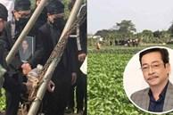 Hình ảnh cuối cùng trước khi chôn cất thi hài NSND Hoàng Dũng ở quê nhà: Con trai ôm chặt di ảnh, tiễn cha về với đất mẹ