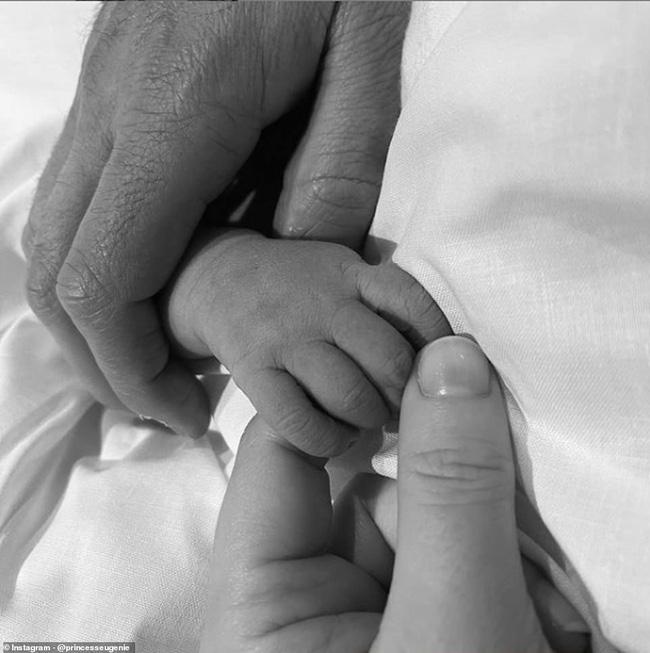 Em bé hoàng gia Anh mới chào đời chính thức lộ diện khiến người hâm mộ xuýt xoa, nhà Meghan Markle cũng bị lu mờ-4
