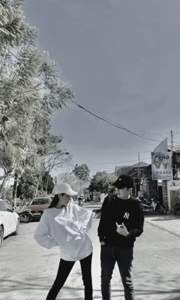 """Nhã Phương phát cẩu lương"""": Chồng đút từng miếng, hôn hít giữa phố, bảo sao Trường Giang nói Vợ tôi sướng nhất quận Phú Nhuận""""-6"""