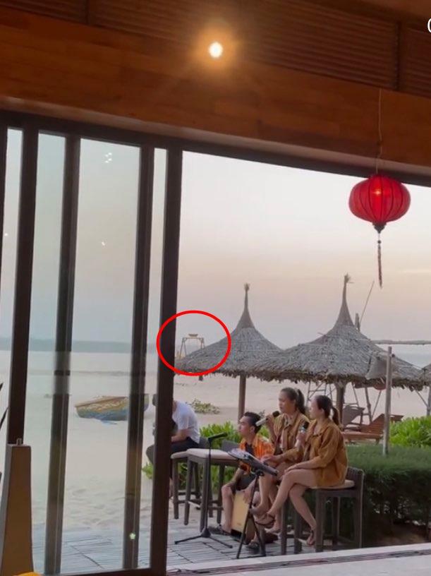 Lệ Quyên liên tục show ân ái với Lâm Bảo Châu, chồng cũ cũng không kém cạnh khi làm điều này với tình trẻ tin đồn kém 27 tuổi-2