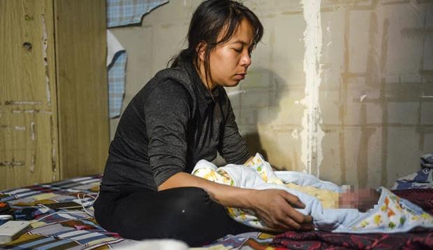 Mẹ bé gái 12 tuổi bị bạo hành, xâm hại tình dục ở Hà Nội: Vớ được cái gì ở ngoài đường là đánh nó bằng cái đấy-6