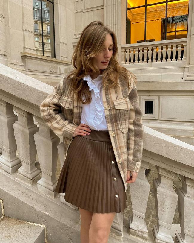 Chỉ bằng cách học 10 công thức diện chân váy chuẩn sang xịn của gái Pháp, style của bạn sẽ lên một tầm cao mới-10