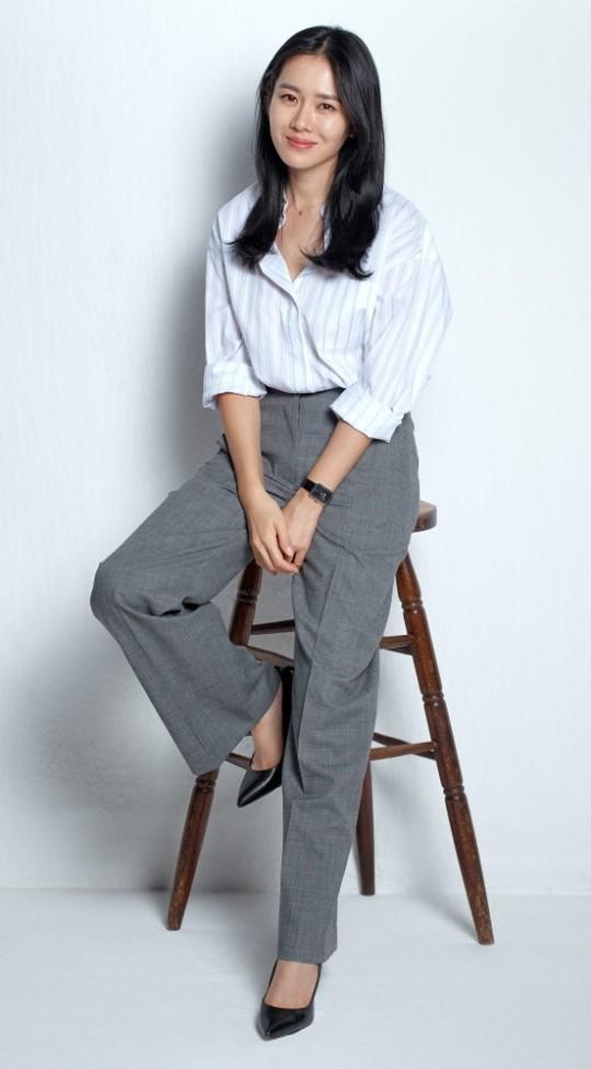 Quần ống rộng phổ biến như thế mà Son Ye Jin rất hiếm khi mặc, và đây chính là lý do-1