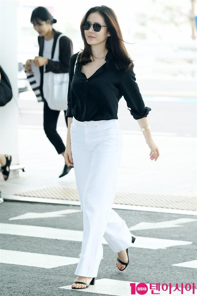 Quần ống rộng phổ biến như thế mà Son Ye Jin rất hiếm khi mặc, và đây chính là lý do-2