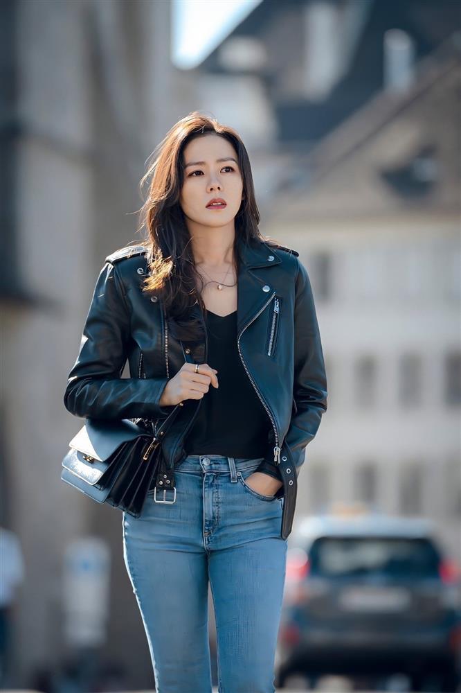 Quần ống rộng phổ biến như thế mà Son Ye Jin rất hiếm khi mặc, và đây chính là lý do-7
