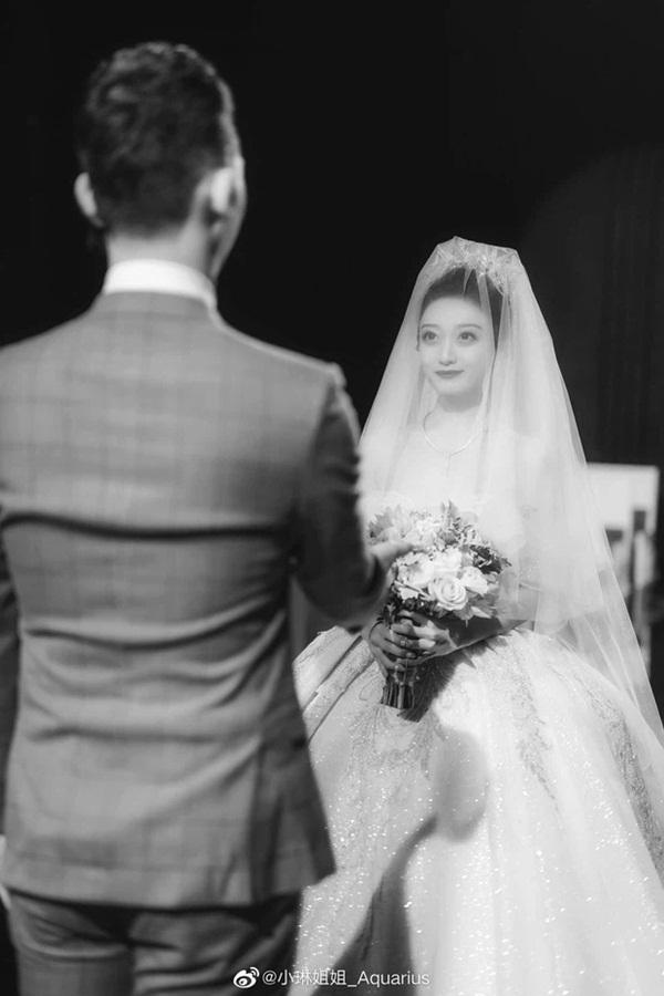 Hai bên cùng cưới - trào lưu kết hôn như ly hôn ở Trung Quốc: Cuộc sống nhân đôi, giới trẻ giãy giụa trong vũng lầy tham vọng của gia đình-6