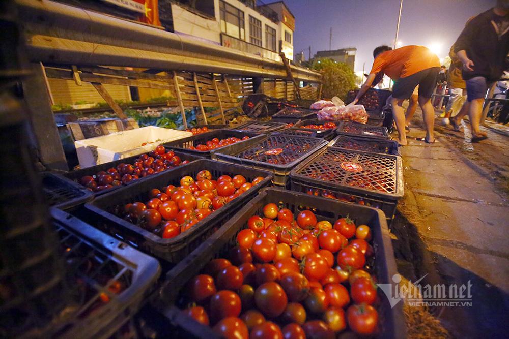 Một đêm giải cứu: 250 tấn rau, 10 vạn trứng gà Hải Dương về Hà Nội-3