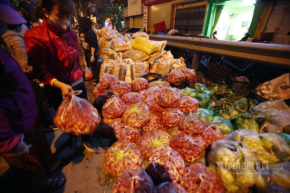 Một đêm giải cứu: 250 tấn rau, 10 vạn trứng gà Hải Dương về Hà Nội-6