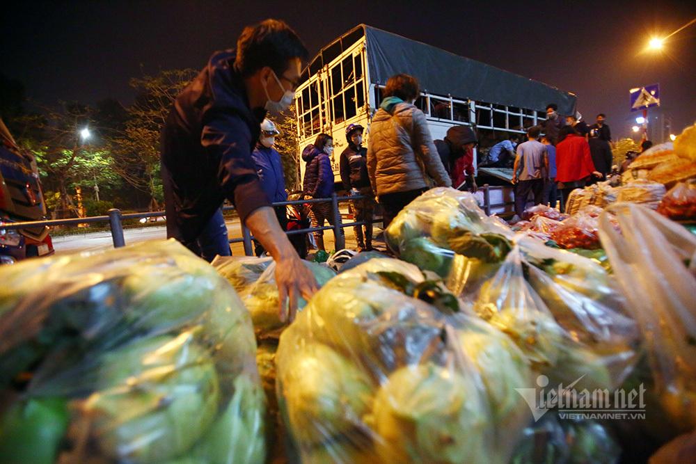 Một đêm giải cứu: 250 tấn rau, 10 vạn trứng gà Hải Dương về Hà Nội-8