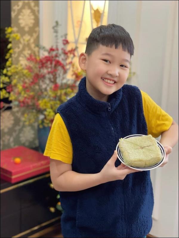 Con trai Bảo Thanh ra dáng làm anh lắm rồi, xung phong đập lợn lấy tiền lì xì cho mẹ đi sinh em bé-4