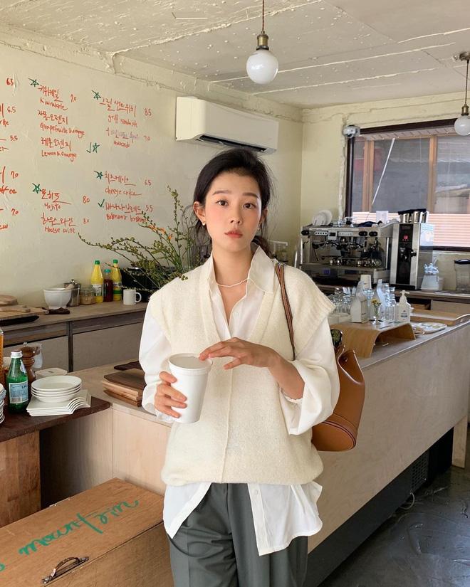 """Trời xuân ấm áp, diện sơ mi theo 5 công thức ruột"""" của gái Hàn là đảm bảo vừa xinh, vừa sang hết ý-4"""