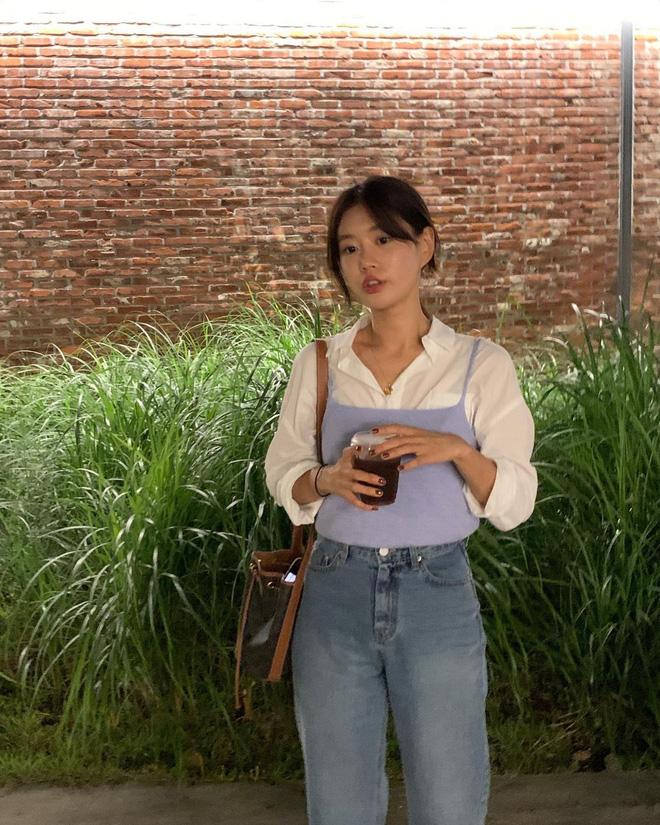 """Trời xuân ấm áp, diện sơ mi theo 5 công thức ruột"""" của gái Hàn là đảm bảo vừa xinh, vừa sang hết ý-14"""