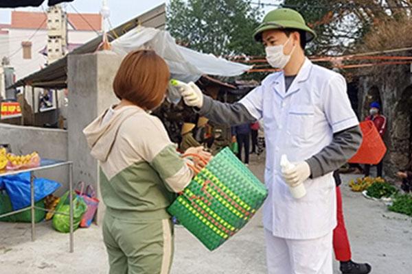 Hải Dương thêm người nghi nhiễm COVID-19 bán hàng ở chợ-1