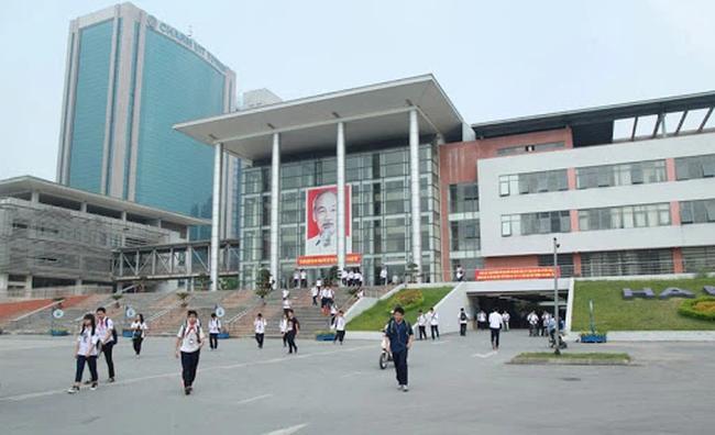 Những thông tin cần biết về 4 trường chuyên ở Hà Nội, học sinh so điểm chuẩn các năm gần nhất để tự lượng sức thi-1