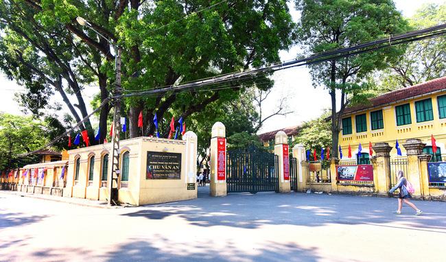 Những thông tin cần biết về 4 trường chuyên ở Hà Nội, học sinh so điểm chuẩn các năm gần nhất để tự lượng sức thi-8
