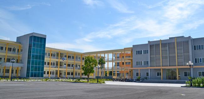 Những thông tin cần biết về 4 trường chuyên ở Hà Nội, học sinh so điểm chuẩn các năm gần nhất để tự lượng sức thi-11