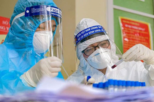 Một bệnh nhân mắc Covid-19 có tiên lượng rất nặng, khó qua khỏi-1