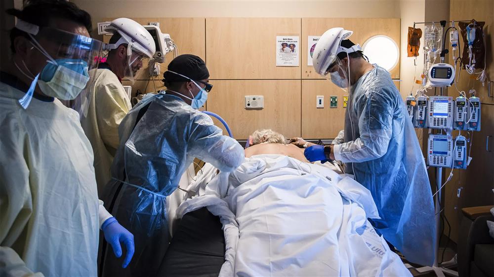 Cảm giác của người chết vì Covid-19 là như thế nào? Chỉ 2 chữ kinh hoàng, theo trải nghiệm của bác sĩ trị bệnh-1