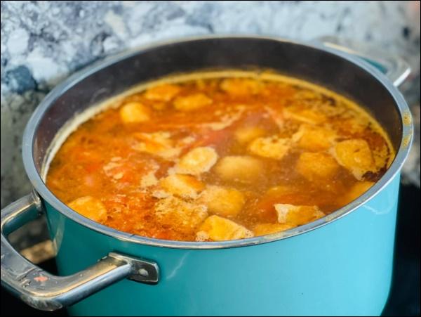 Sau Tết, Vân Hugo khéo vào bếp trổ tài làm món ốc om chuối đậu chuẩn vị Bắc, vừa ngon lại giải ngánai cũng mê-3