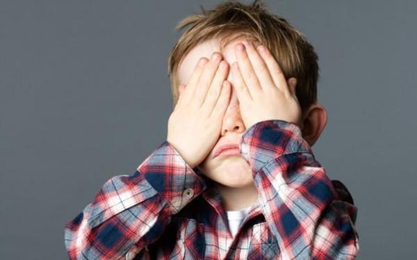 Con thiếu tự tin: Nếu cha mẹ phớt lờ, tương lai của bé có thể bị ảnh hưởng sâu sắc-2