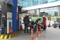 Giá xăng tăng mạnh, đầu năm mới vượt 18.000 đồng/lít