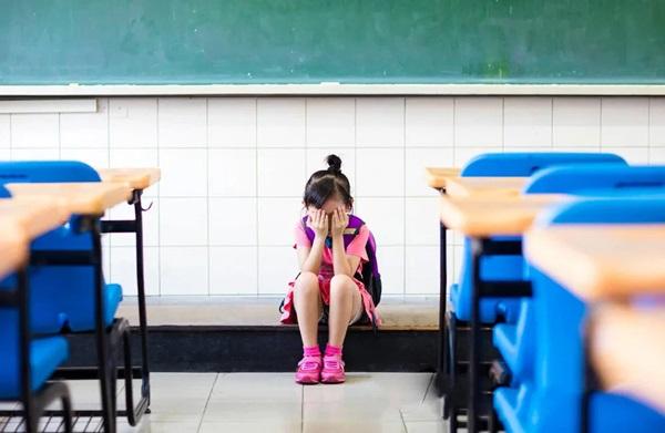 Bé gái 11 tuổi tự tử chỉ vì chưa hoàn thành bài tập về nhà, nhưng nguyên nhân thật sự đằng sau mới đáng sợ-2