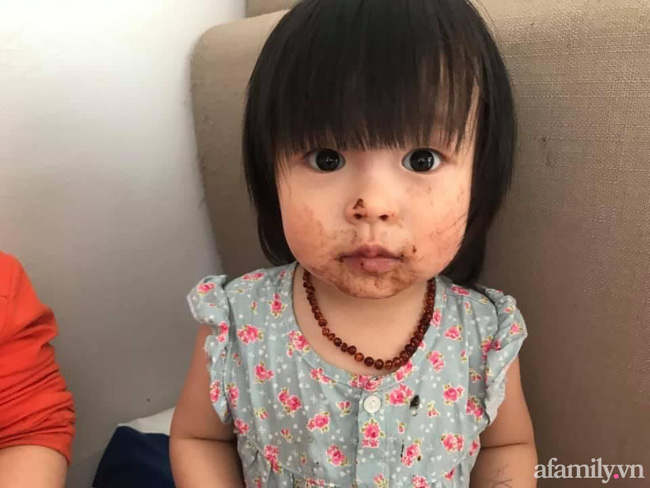 Mẹ trẻ đăng ảnh tố con gái không có chút thùy mị nào khiến dân mạng cười mệt, câu nói đẻ con gái nết na đúng là nhầm to-2