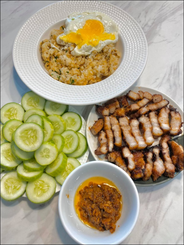 Tóc Tiên saukết hôn đảm đang khó ai sánh bằng, chồngthèm xôi sáng liềnđích thân vào bếp kèmmón thịt kho trứng chuẩn như ở tiệm-9