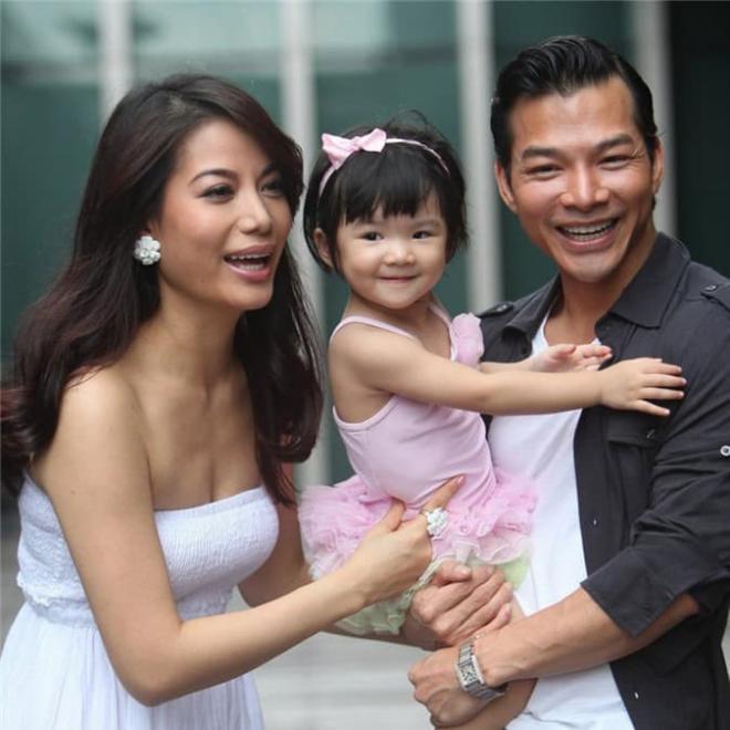 Sau đổ vỡ hôn nhân với Trương Ngọc Ánh, diễn viên Trần Bảo Sơn chính thức khoe con gái cưng với vợ thứ 2-1