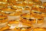 Giá vàng hôm nay 27/2: Mất niềm tin khi vàng xuống thấp-2