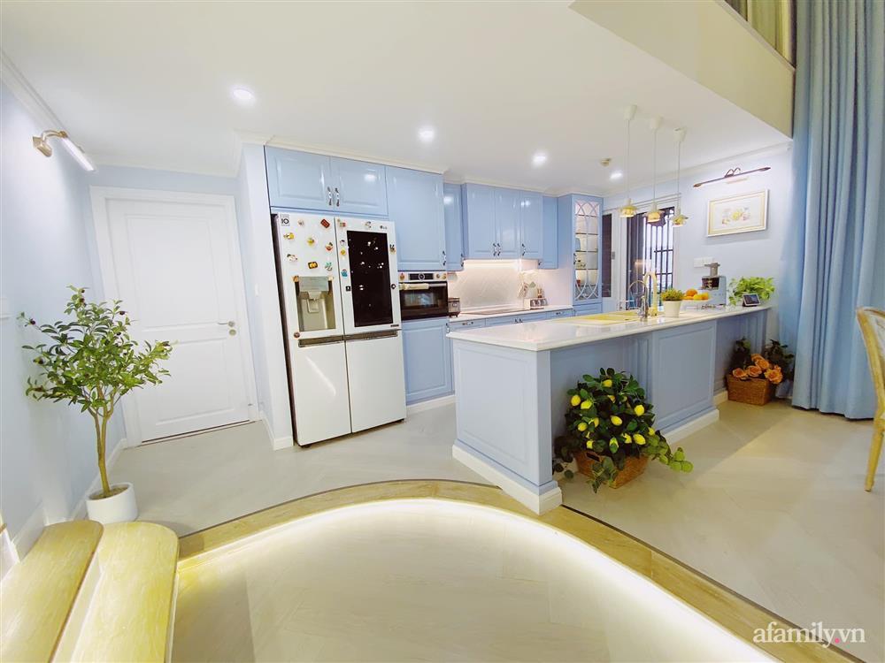 Căn bếp màu xanh yên bình, sang trọng với đủ thiết bị hiện đại của mẹ trẻ xinh đẹp Sài Thành-2