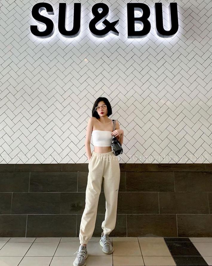 Đâu phải có mình Ngọc Trinh tự tin mặc bra top đi shopping, con gái Việt giờ ra đường cũng sexy và táo bạo chẳng kém cạnh-5