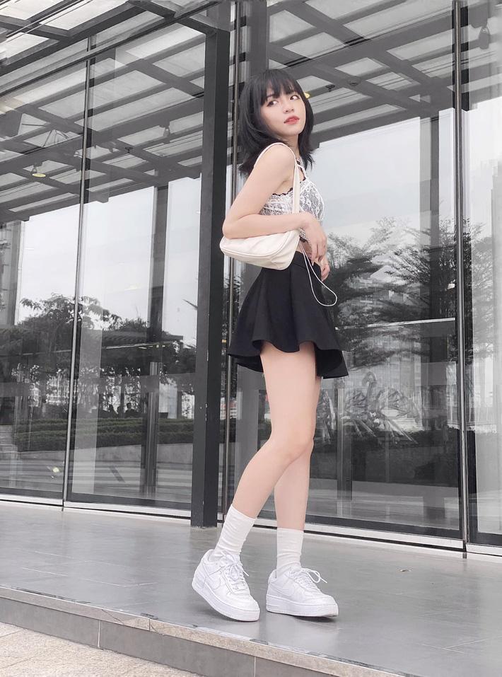 Đâu phải có mình Ngọc Trinh tự tin mặc bra top đi shopping, con gái Việt giờ ra đường cũng sexy và táo bạo chẳng kém cạnh-7