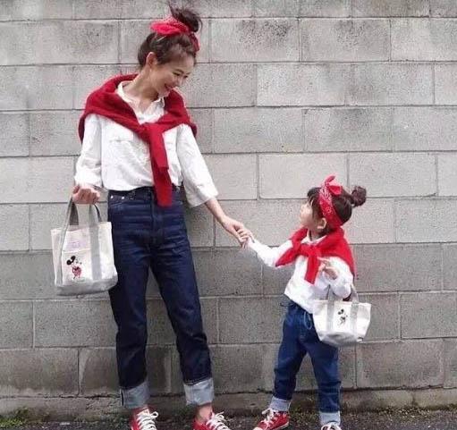 Bé gái 7 tuổi bị bạn bè tẩy chay vì mặc đồsang chảnh, người mẹ bừng tỉnhsở thích của mình đã tổn hại đến con-2
