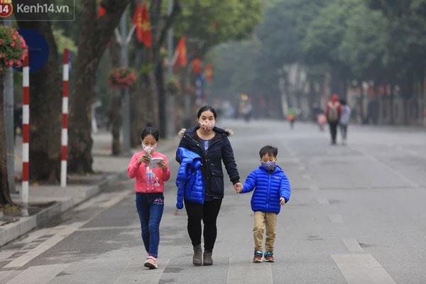 Hà Nội: Quận Hoàn Kiếm đề nghị mở lại phố đi bộ Hồ Gươm từ tuần sau-1