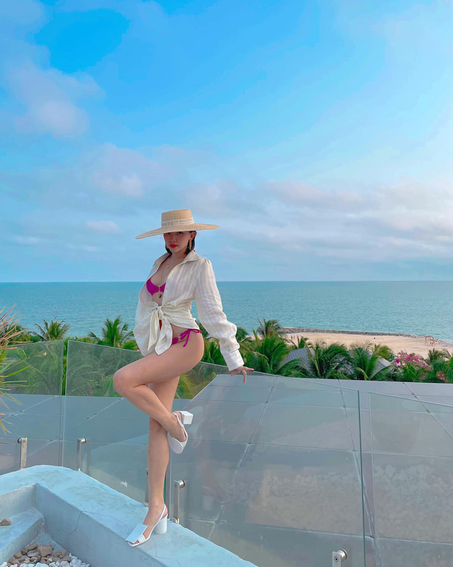 Đi nghỉ dưỡng bên Touliver, sáng sớm Tóc Tiên đã khoe ảnh bikini cắt xẻ hiểm hóc, lộ quá nửa vòng 1 phập phồng ná thở-4