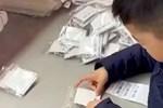 Ông bố đại gia 'huấn luyện' con trai 6 tuổi biết cách kiếm tiền, không ngờ kết quả tệ hại khiến ông ân hận khôn nguôi