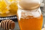 Đang dùng mật ong nếu thấy có dấu hiệu này thì dừng ngay lập tức để tránh dị ứng, ngộ độc và nguy hiểm tính mạng, nhất là với trẻ nhỏ-6