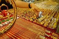Vàng bị bán tháo