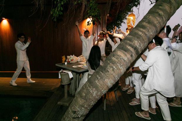 Ngô Thanh Vân công khai kề cận Huy Trần, ra mắt Xuân Lan - Jun Phạm và hội bạn sao Vbiz trong tiệc sinh nhật hoành tráng-2