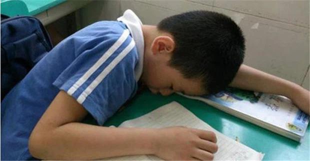 Đừng trách tôi khinh em - Lời nói ác ý của giáo viên bị phát tán, cha mẹ khóc ngất đau đớn khi nghe hết đoạn ghi âm-3