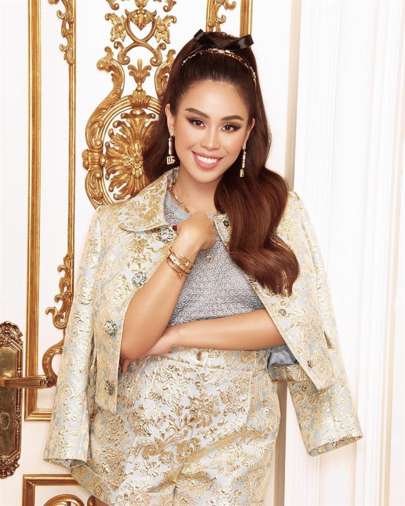 Tiên Nguyễn diện cả loạt váy áo ít người dám mặc, chứng minh thần thái đỉnh cao hiếm ai bì kịp-1