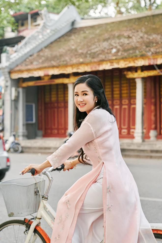 NSND Thu Hà: Nữ hoàng ảnh lịch thập niên 90 và cuộc sống ở tuổi 52-5